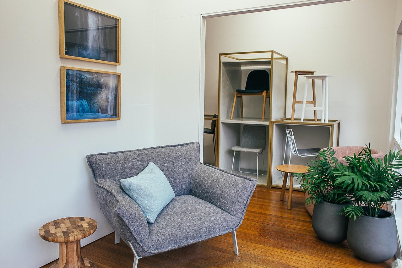 Stue er er indrettet moderne