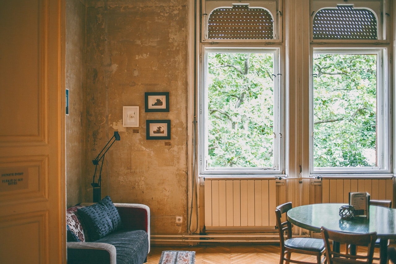 hyggeligt hjem med genbrugsmøbler